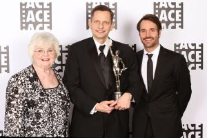 June Squibb and Will Forte flank Best Animated Feature winner, Jeff Draheim ('Frozen') © Linda Treydte / Tilt Photo