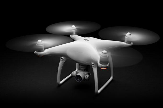 Review DJIs Phantom 4 Drone