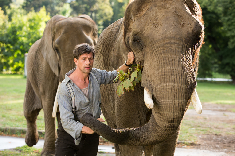 bd7017989c40 The film isn't always full of tension and destruction. There is beauty too.  In the film's opening, the audience meets the animals in the Warsaw Zoo, ...